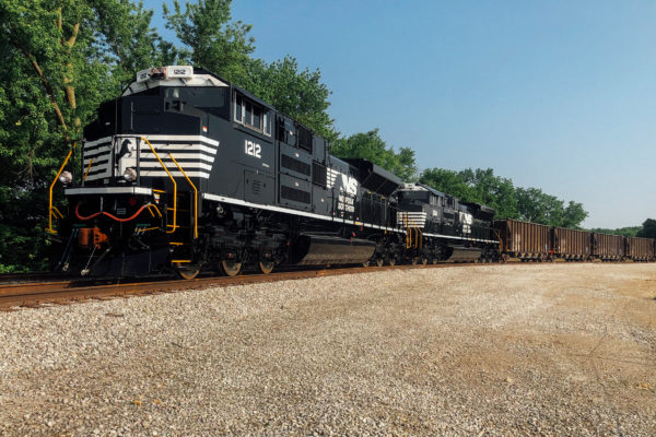 West Plains Mining and West Plains Distribution now offers delivery by rail.
